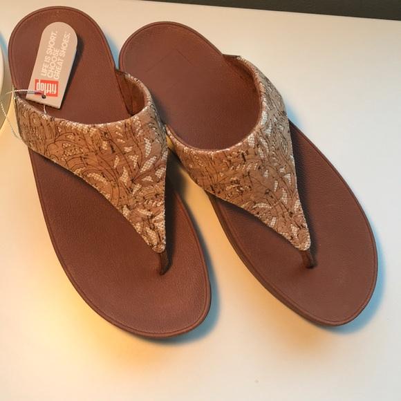 14a3f52b8 NEW FITFLOP Sandals